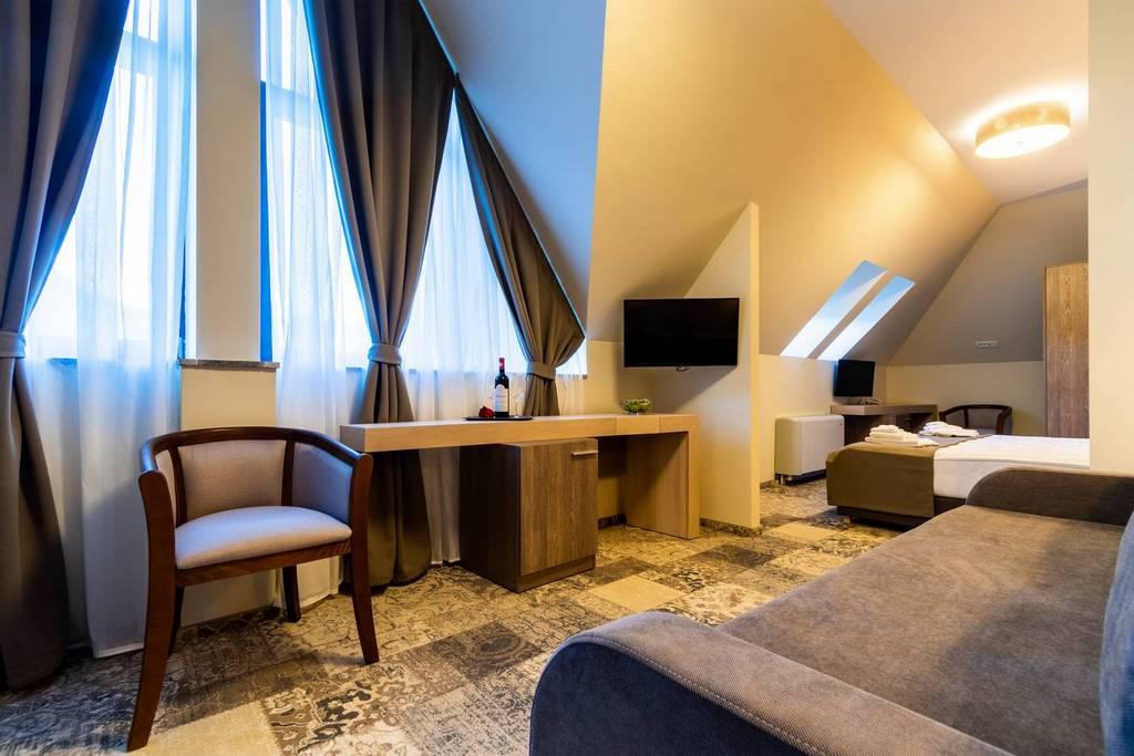 Imagini Hotel Izvoare